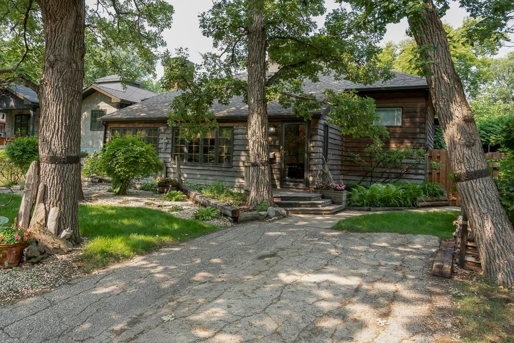 Main Photo: 118 Woodhaven Boulevard in Winnipeg: Woodhaven Residential for sale (5F)  : MLS®# 202117804