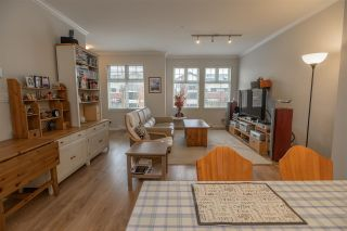 """Photo 5: 34 1111 EWEN Avenue in New Westminster: Queensborough Townhouse for sale in """"ENGLISH MEWS"""" : MLS®# R2359101"""