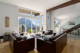 """Photo 9: 2211 CRUMPIT WOODS Drive in Squamish: Valleycliffe House for sale in """"Crumpit Woods"""" : MLS®# R2494676"""