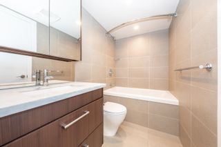 """Photo 13: 557 108 W 1ST Avenue in Vancouver: False Creek Condo for sale in """"WALL CENTRE"""" (Vancouver West)  : MLS®# R2614922"""