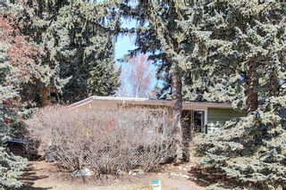 Main Photo: 2744 Crawford Road NW in Calgary: Charleswood Detached for sale : MLS®# A1083186
