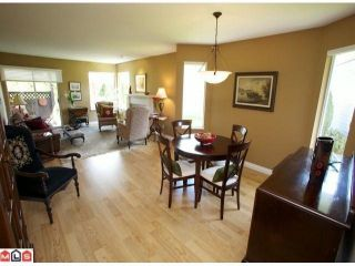 """Photo 2: 113 14280 19A Avenue in Surrey: Sunnyside Park Surrey Townhouse for sale in """"Tiffany Lane"""" (South Surrey White Rock)  : MLS®# F1111117"""