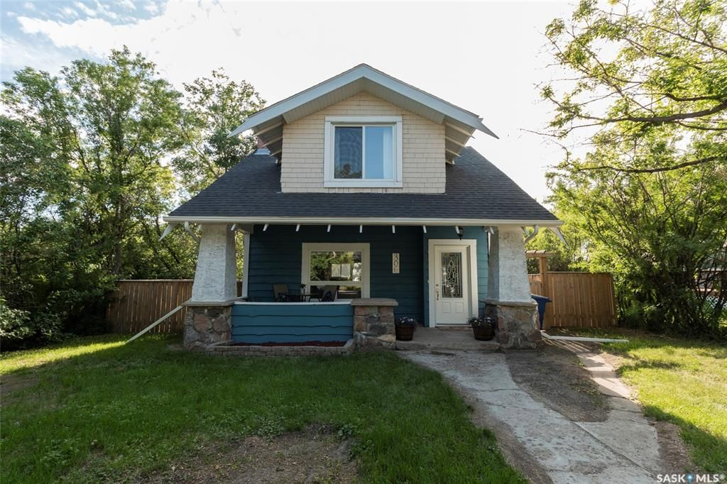 Main Photo: 306 2nd Street West in Delisle: Residential for sale : MLS®# SK860553