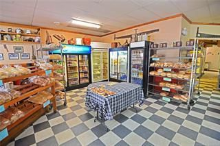 Photo 3: 1980 Vernon Street, in Lumby: Retail for sale : MLS®# 10224162