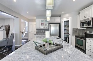 Photo 9: 75 Somerglen Place SW in Calgary: Somerset Detached for sale : MLS®# A1129654