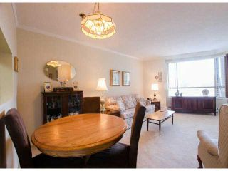 Photo 11: # 411 15111 RUSSELL AV: White Rock Condo for sale (South Surrey White Rock)  : MLS®# F1427876