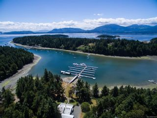 Photo 1: 76 Marina Dr in : Isl Thetis Island Other for sale (Islands)  : MLS®# 861854