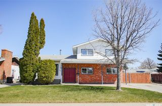 Main Photo: 102 Cockburn Crescent in Saskatoon: Pacific Heights Residential for sale : MLS®# SK854404