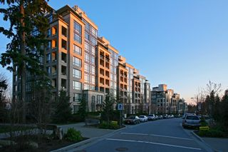 """Photo 37: 102 9300 UNIVERSITY Crescent in Burnaby: Simon Fraser Univer. Condo for sale in """"ONE UNIVERSITY"""" (Burnaby North)  : MLS®# R2612978"""
