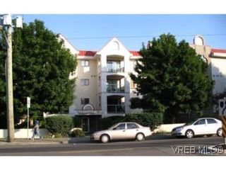 Photo 1: 201 873 Esquimalt Road in VICTORIA: Es Old Esquimalt Condo for sale (Esquimalt)  : MLS®# 512858