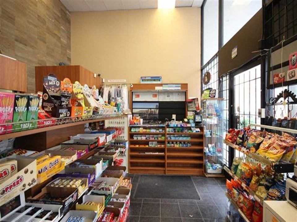 Main Photo: 105 1100 MELVILLE Street in Vancouver: Coal Harbour Business for sale (Vancouver West)  : MLS®# C8037059