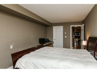 """Photo 17: 207 5488 198TH Street in Langley: Langley City Condo for sale in """"BROOKLYN WYND"""" : MLS®# F1436607"""