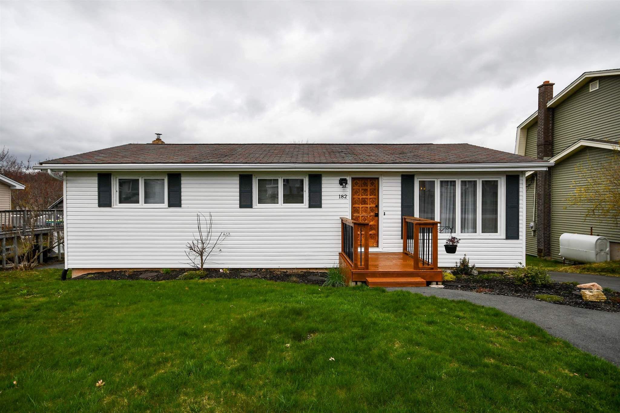 Main Photo: 182 Alder Crescent in Lower Sackville: 25-Sackville Residential for sale (Halifax-Dartmouth)  : MLS®# 202110205