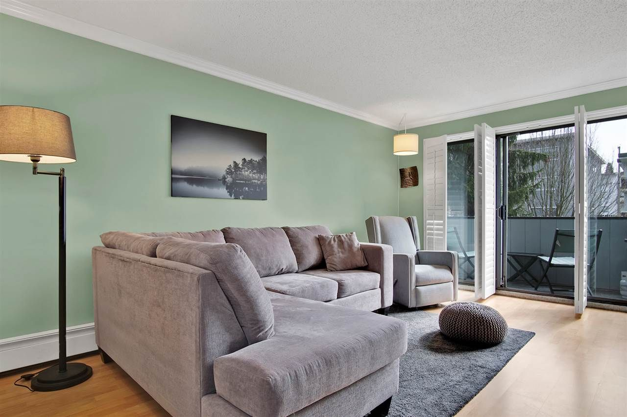 """Main Photo: 202 2277 MCGILL Street in Vancouver: Hastings Condo for sale in """"LANDMARK TERRACE"""" (Vancouver East)  : MLS®# R2547189"""