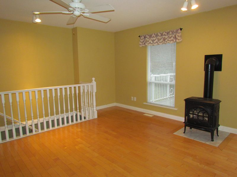 Photo 5: Photos: 30936 Brookdale Crt. in Abbotsford: Abbotsford West House for rent