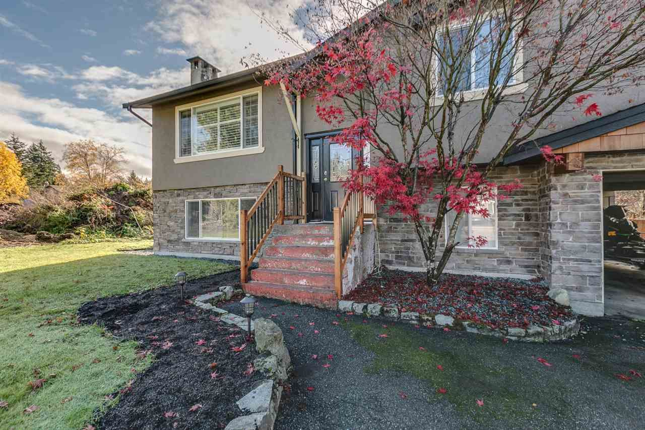 """Main Photo: 1254 DEPOT Road in Squamish: Brackendale House for sale in """"BRACKENDALE"""" : MLS®# R2012595"""