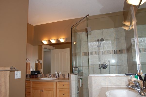 Photo 15: Photos: 4021 Lakeside Road in Penticton: Penticton South Residential Detached for sale : MLS®# 136028