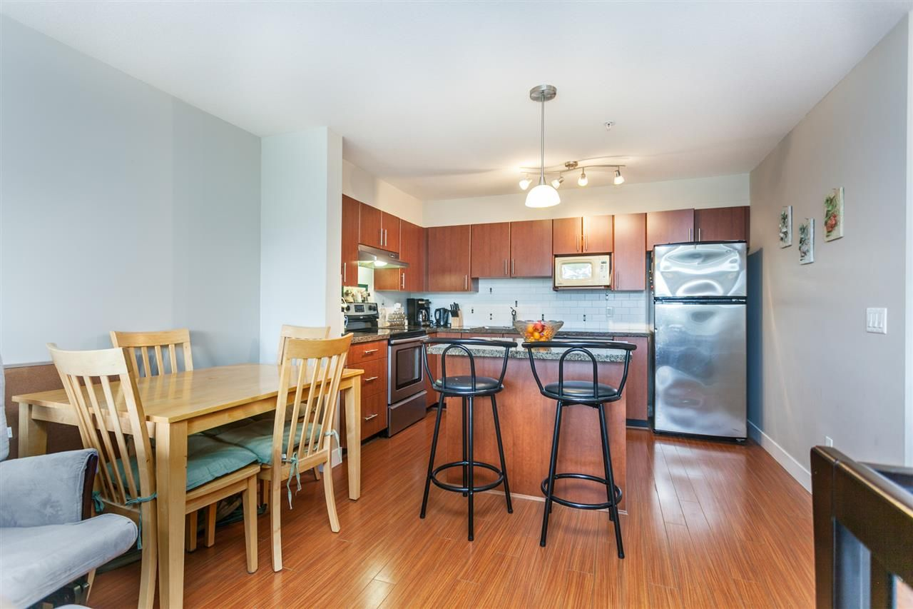 "Photo 8: Photos: 108 12075 228 Street in Maple Ridge: East Central Condo for sale in ""RIO"" : MLS®# R2165368"