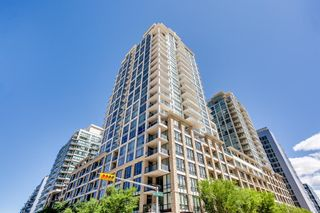 Photo 3: 547 222 Riverfront Avenue SW in Calgary: Chinatown Apartment for sale : MLS®# A1136653