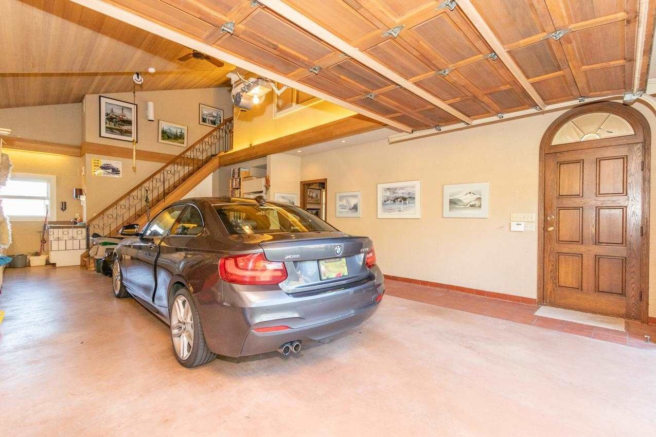 Photo 5: Photos: 385 MONTERAY Avenue in North Vancouver: Upper Delbrook House for sale : MLS®# R2582994