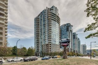 "Photo 1: 1501 120 MILROSS Avenue in Vancouver: Downtown VE Condo for sale in ""BRIGHTON"" (Vancouver East)  : MLS®# R2403473"