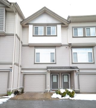 """Photo 2: 12 13393 BARKER Street in Surrey: Queen Mary Park Surrey Townhouse for sale in """"GRAND LANE"""" : MLS®# R2429151"""