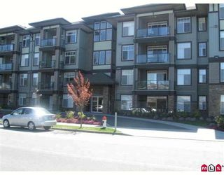 """Photo 1: 403 33338 MAYFAIR Avenue in Abbotsford: Central Abbotsford Condo for sale in """"The Sterling"""" : MLS®# F2909510"""
