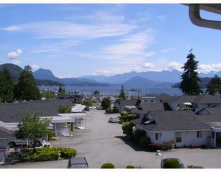 """Photo 2: 37 696 TRUEMAN Road in Gibsons: Gibsons & Area Townhouse for sale in """"MARINA PLACE"""" (Sunshine Coast)  : MLS®# V770986"""
