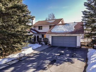 Photo 1: 9 Mt.Rundle Place: Canmore Detached for sale : MLS®# A1146109