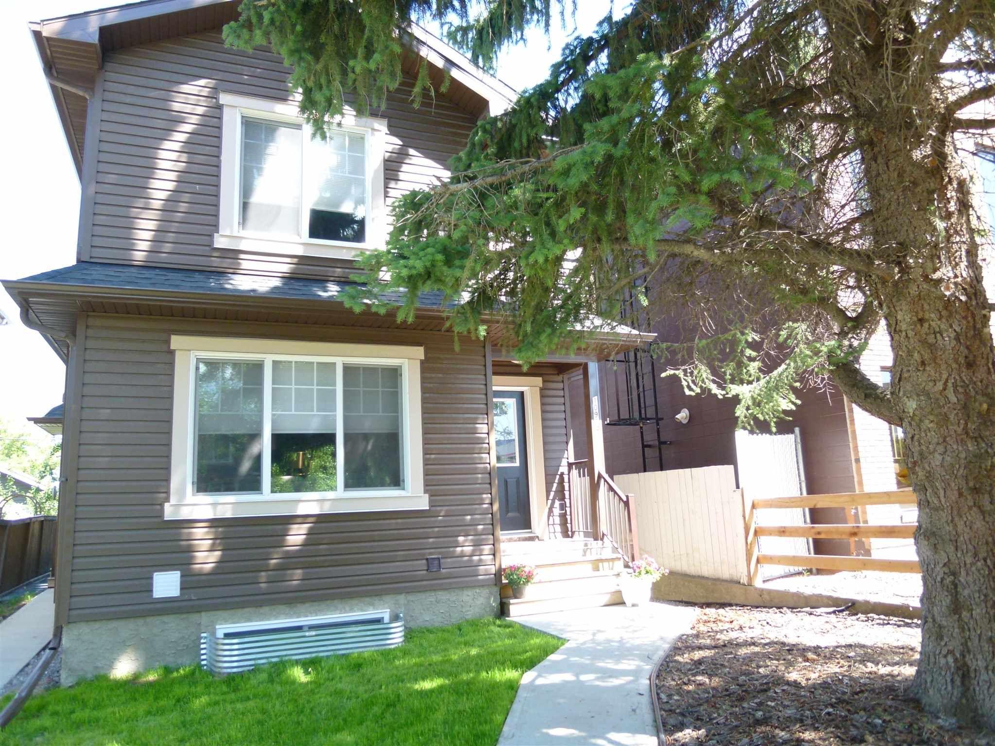 Main Photo: 10914 71 Avenue in Edmonton: Zone 15 House Half Duplex for sale : MLS®# E4246605