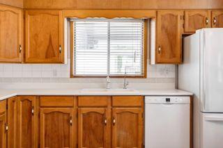 Photo 11: 10712 11 Avenue in Edmonton: Zone 16 House for sale : MLS®# E4256325