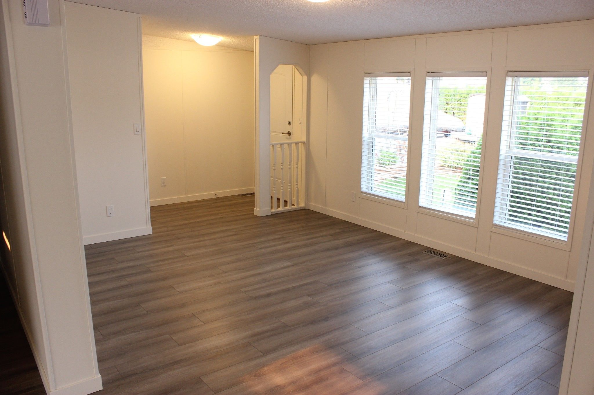 Photo 2: Photos: 22 3099 E Shuswap Road in Kamloops: South Thompson Valley Manufactured Home for sale : MLS®# 147827