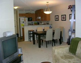 """Photo 3: 261 1100 E 29TH ST in North Vancouver: Lynn Valley Condo for sale in """"HIGHGATE"""" : MLS®# V607291"""