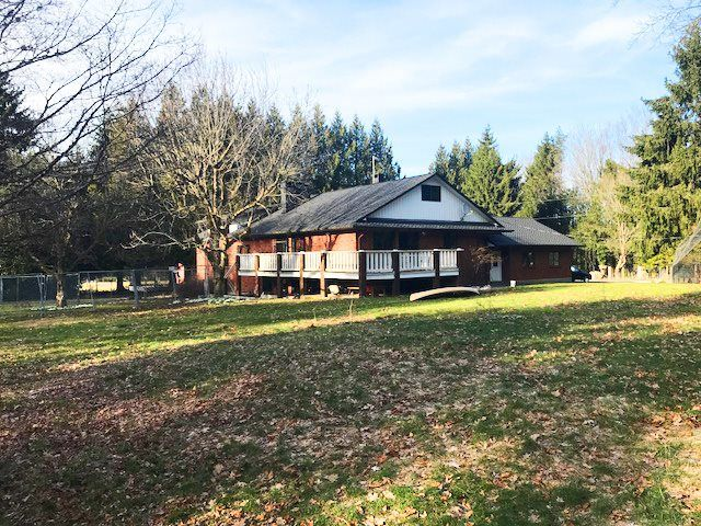 Main Photo: 621 BLATCHFORD Road: Columbia Valley House for sale (Cultus Lake)  : MLS®# R2362562