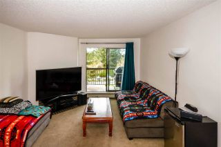"Photo 4: 3215 13827 100 Avenue in Surrey: Whalley Condo for sale in ""CARRIAGE LANE ESTATES"" (North Surrey)  : MLS®# R2575584"