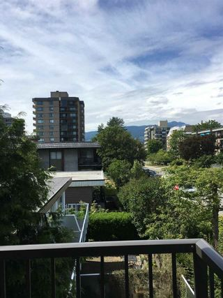 "Photo 6: 313 155 E 5TH Street in North Vancouver: Lower Lonsdale Condo for sale in ""WINCHESTER ESTATES"" : MLS®# R2086842"
