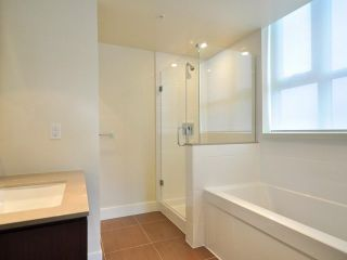 Photo 7: 1329 CIVIC PLACE MEWS in North Vancouver: Central Lonsdale Townhouse for sale : MLS®# R2114138