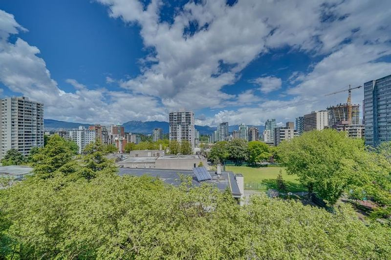 FEATURED LISTING: 1003 - 1720 BARCLAY Street Vancouver