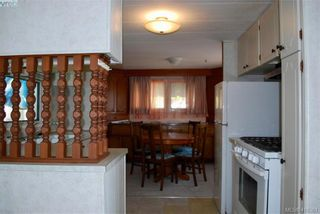 Photo 5: 19 1201 Craigflower Rd in VICTORIA: VR Glentana Manufactured Home for sale (View Royal)  : MLS®# 825952