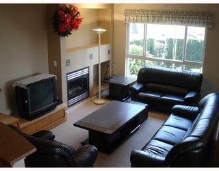 """Photo 4: 13 7733 HEATHER Street in Richmond: McLennan North Townhouse for sale in """"HEARTSTONE"""" : MLS®# V701542"""