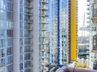 "Photo 7: 1709 602 CITADEL Parade in Vancouver: Downtown VW Condo for sale in ""Spectrum 4"" (Vancouver West)  : MLS®# R2565583"