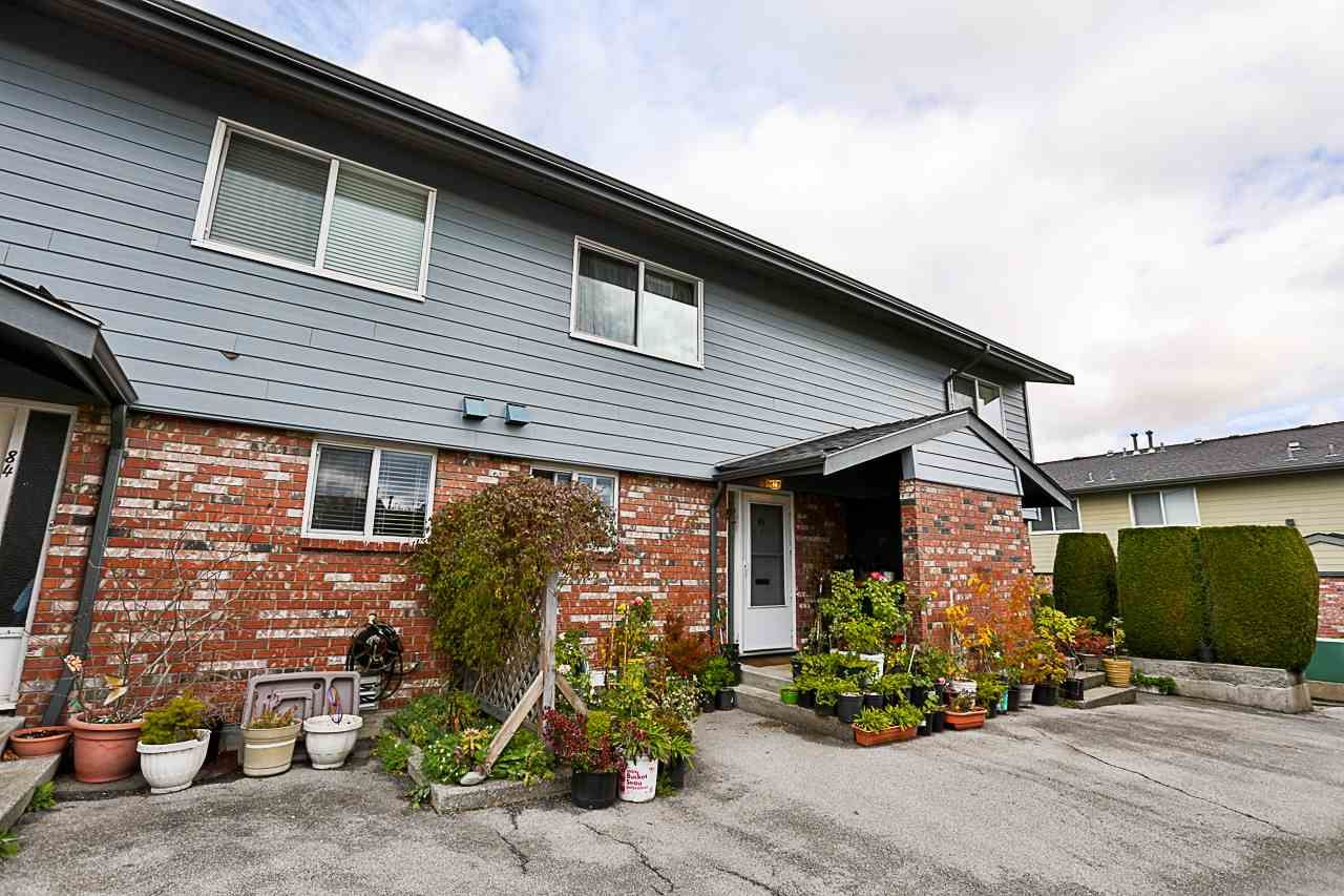 """Main Photo: 85 10760 GUILDFORD Drive in Surrey: Guildford Townhouse for sale in """"Guildford Close"""" (North Surrey)  : MLS®# R2222535"""