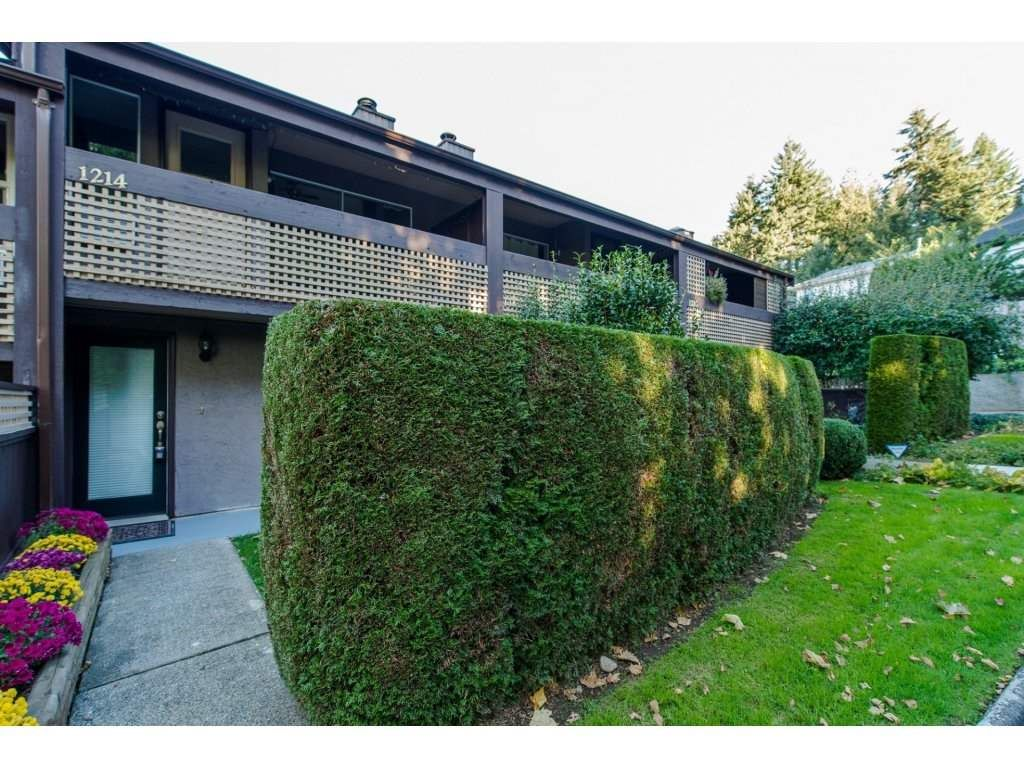 """Main Photo: 1214 34909 OLD YALE Road in Abbotsford: Abbotsford East Townhouse for sale in """"The Gardens"""" : MLS®# R2115927"""