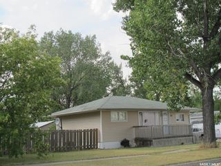 Photo 2: 222 Aldridge Street in Bienfait: Residential for sale : MLS®# SK846524