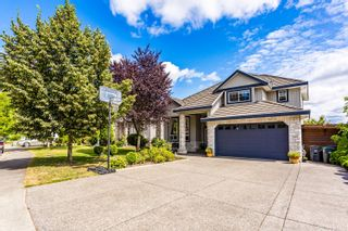 Photo 1: 8242 167A Street in Surrey: Fleetwood Tynehead House for sale : MLS®# R2481741