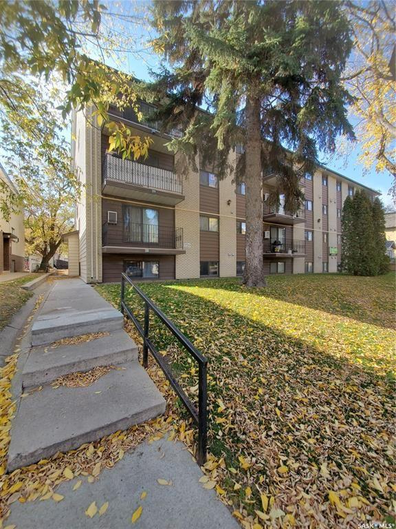 Main Photo: 301 720 8th Street East in Saskatoon: Haultain Residential for sale : MLS®# SK872077