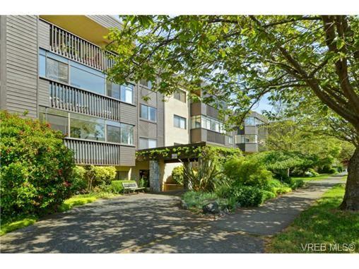 Main Photo: 206 1012 Collinson St in VICTORIA: Vi Fairfield West Condo for sale (Victoria)  : MLS®# 729592