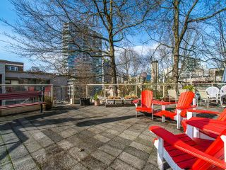 """Photo 13: 401 1350 COMOX Street in Vancouver: West End VW Condo for sale in """"Broughton Terrace"""" (Vancouver West)  : MLS®# R2258783"""
