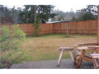 Photo 2:  in VICTORIA: VR Six Mile Row/Townhouse for sale (View Royal)  : MLS®# 420891
