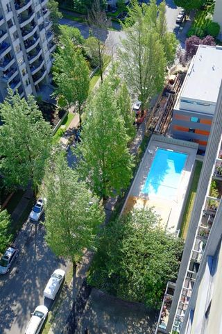 """Photo 26: 2001 1330 HARWOOD Street in Vancouver: West End VW Condo for sale in """"Westsea Towers"""" (Vancouver West)  : MLS®# R2481214"""